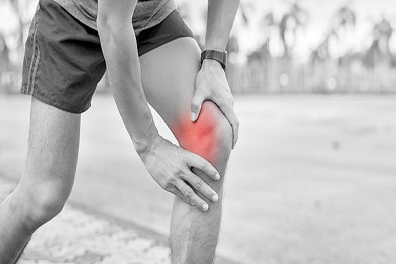 Πόνος στο γόνατο: Πώς να τον προλάβετε ή να τον μειώσετε..